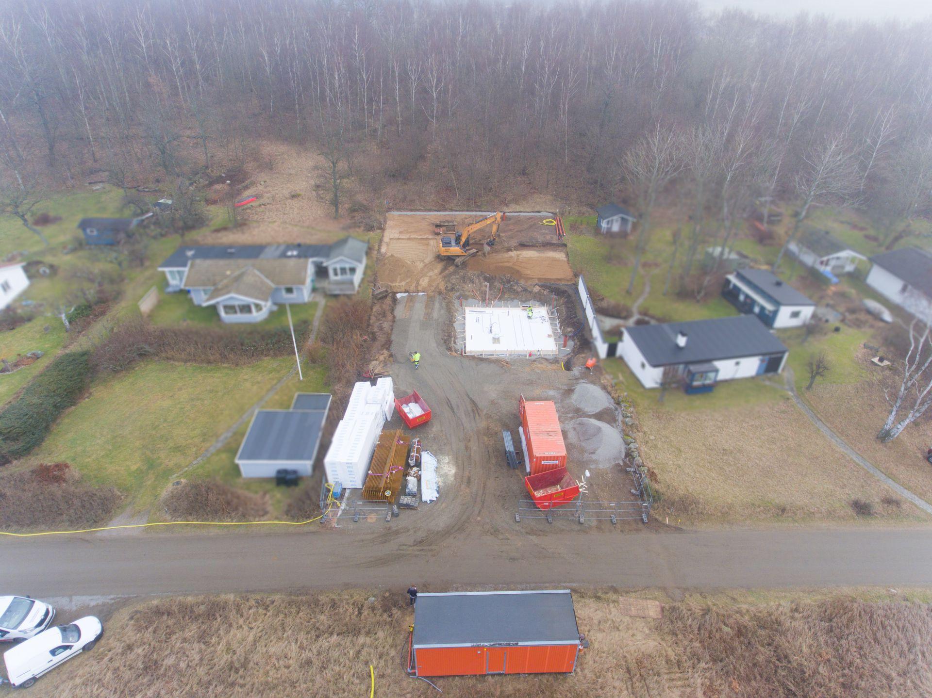 Byggplats för Skepparkroken där Bjäre Entreprenad utfört markentreprenad för en villa och tillhörande kringbyggnader