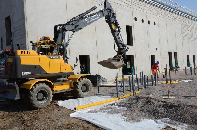 Bjäre Entreprenad utför en totalentreprenad på markarbetena i byggnationen av ny idrottshall utav Svalövs Skola