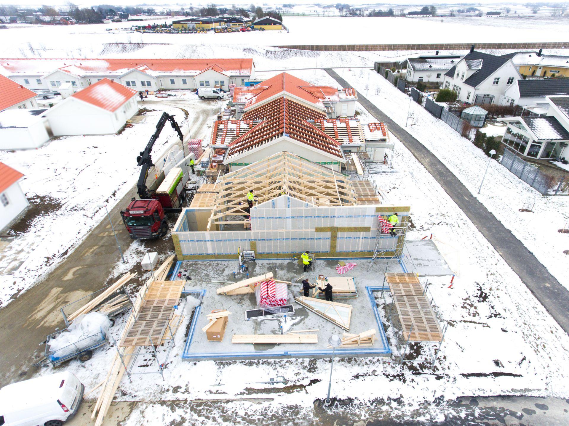 Bjäre Entreprenad har utfört grundläggning och finplanering för ett 20-tal radhus. Bild på radhusen